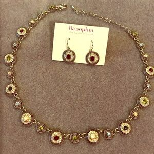 Beautiful Lia Sophia necklace & matching earrings.